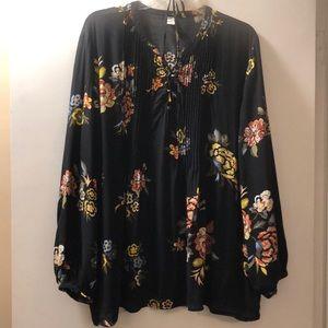 🔵Old Navy Black Floral Top